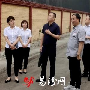 省联社临汾审计中心综合部部长徐海港深入一线对清收工作现场督导